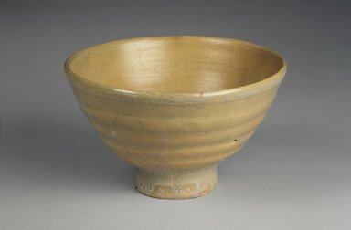 Seong-Kil Seo (born 1910). Bowl, 20th century. Porcelain, glaze, Height: 3 5/8 in. (9.2 cm). Brooklyn Museum, Gift of Dr. Kenneth Rosenbaum, 84.203.13. Creative Commons-BY