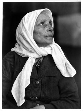 Lewis Wickes Hine (American, 1874-1940). Woman. Ellis Island, New York, 1904. Gelatin silver photograph, image: 13 1/2 x 9 7/8 in. (34.3 x 25.1 cm). Brooklyn Museum, Gift of Walter and Naomi Rosenblum, 84.237.3