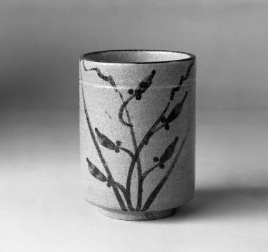 Brooklyn Museum: E-Karatsu Ware Yunomi (Cup for Green Tea)