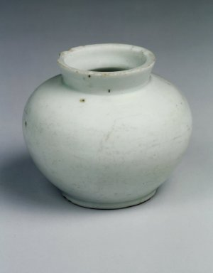 Jar, Possibly 20th century. Porcelain, glaze, Height: 2 13/16 in. (7.1 cm). Brooklyn Museum, Gift of John M. Lyden, 84.262.27. Creative Commons-BY