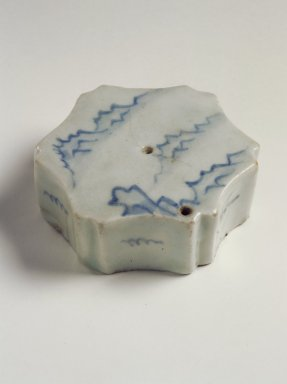 Water Dropper, 19th century. Porcelain with cobalt blue underglaze decoration, 1 1/4 x 3 1/4 in. (3.2 x 8.3 cm). Brooklyn Museum, Gift of John M. Lyden, 84.262.33. Creative Commons-BY