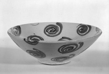 Wayne Higby. Bowl, ca. 1980. Glazed earthenware, 3 1/4 x 9 3/4 x 3 1/2 in. (8.3 x 24.8 x 8.9 cm). Brooklyn Museum, Gift of Robert Mehlman, 84.278. Creative Commons-BY