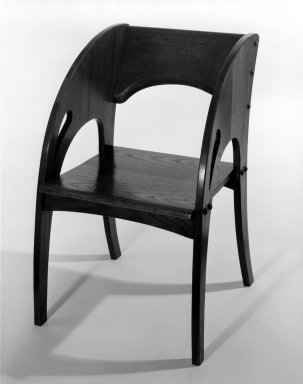 J. S. Ford and Johnson Company. Armchair, ca. 1905. Oak, 32 1/8 x 20 3/4 x 23 3/4 in. (81.6 x 52.7 x 60.3 cm). Brooklyn Museum, Gift of John C. Waddell, 85.210. Creative Commons-BY