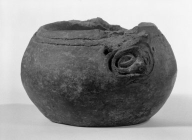 Taino. Bowl, C.E. 1000-1500. Ceramic, 3 1/8 x 5 1/2 x 5 1/2 in. (7.9 x 14 x 14 cm). Brooklyn Museum, Gift of Mr. and Mrs. Vincent Fay, 85.261.16. Creative Commons-BY