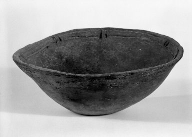 Taino. Bowl, C.E. 1000-1500. Terra cotta, 2 3/4 x 7 x 7 in. (7 x 17.8 x 17.8 cm). Brooklyn Museum, Gift of Mr. and Mrs. Vincent Fay, 85.261.17. Creative Commons-BY