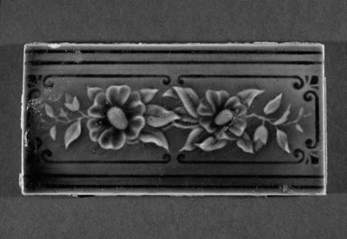 International Tile Company. Tile, 1882-1888. Earthenware, 1/2 x 6 x 3 in. (1.3 x 15.2 x 7.6 cm). Brooklyn Museum, Gift of Florence I. Barnes, 85.6.10. Creative Commons-BY