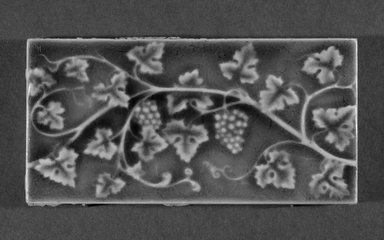 International Tile Company. Tile, 1882-1885. Earthenware, 1/2 x 6 x 3 in. (1.3 x 15.2 x 7.6 cm). Brooklyn Museum, Gift of Florence I. Barnes, 85.6.8. Creative Commons-BY
