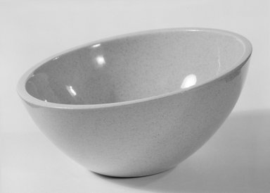 Red Wing Pottery (active 1936-1967). Bowl, designed ca. 1945; produced ca. 1946. Glazed earthenware, 2 7/8 x 5 7/8 in. (7.3 x 14.9 cm). Brooklyn Museum, Gift of Eva Zeisel, 85.75.17. Creative Commons-BY