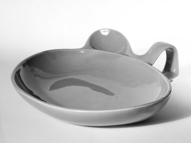 Eva Zeisel (American, born Hungary, 1906-2011). Baby Dish, ca. 1940. Glazed earthenware, 2 x 8 1/2 x 7 3/4 in. (5.1 x 21.6 x 19.7 cm). Brooklyn Museum, Gift of Eva Zeisel, 85.75.2. Creative Commons-BY