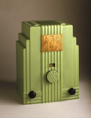 John Gordon Rideout (American, 1898-1951). Radio, 1930-1933. Plaskon (plastic), metal, glass, 11 3/4 x 8 7/8 x 7 1/2 in.  (29.8 x 22.5 x 19.1 cm). Brooklyn Museum, Purchased with funds given by The Walter Foundation, 85.9. Creative Commons-BY
