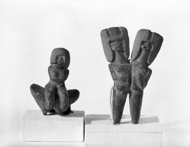 Double-headed Figurine. Ceramic, 1/2 x 3/4 x 9/16 in. (1.3 x 1.9 x 1.4 cm). Brooklyn Museum, Gift of Jonathan, Peter, and Timothy Zorach, 86.107.2. Creative Commons-BY