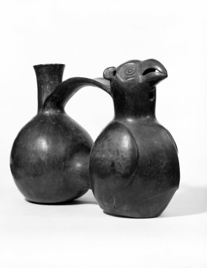 Chimú. Double-chambered Whistling Bottle with Bird, ca. 1100-1400. Ceramic, 6 1/8 x 8 1/4 x 3 3/4 in. (15.6 x 21 x 9.5 cm). Brooklyn Museum, Gift of the Ernest Erickson Foundation, Inc., 86.224.149. Creative Commons-BY