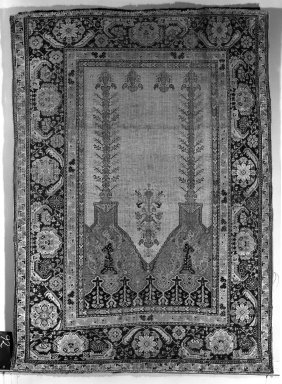 Prayer Rug, 18th century. Wool warp, weft and pile, Old: 66 x 48 in. (167.6 x 121.9 cm). Brooklyn Museum, Gift of the Ernest Erickson Foundation, Inc., 86.227.92. Creative Commons-BY