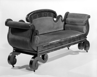 American. Sofa, ca. 1835. Mahogany, 38 1/2 x 87 1/2 x 22 3/4 in. (97.8 x 222.3 x 57.8 cm). Brooklyn Museum, Gift of Patricia Savidge, 86.246. Creative Commons-BY