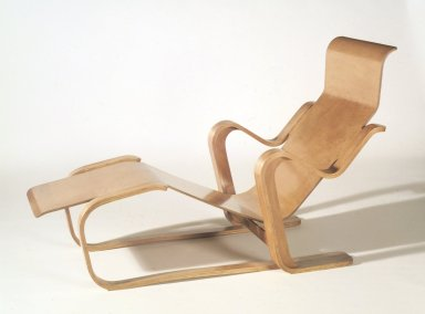 Marcel Breuer. Long Chair, ca. 1935-1936. Molded and laminated plywood, 31 3/4 x 24 x 51 in. (80.6 x 61 x 129.5 cm). Brooklyn Museum, Modernism Benefit Fund, 87.181a-b. Creative Commons-BY