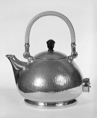 Peter Behrens. Electric Tea and Hot - Water Kettle with Lid, ca. 1909. Nickel - plated brass with wooden knob, 8 3/4 x 8 x 6 1/4 in. (22.2 x 20.3 x 15.9 cm). Brooklyn Museum, Gift of Zohar Ben-Dov, 87.70.2. Creative Commons-BY