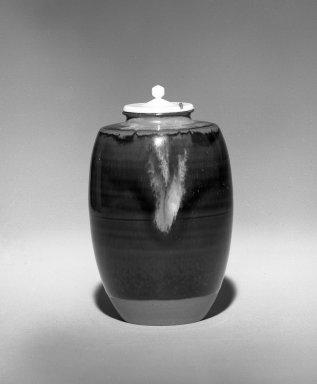 Onimaru Hekizan (Japanese, born 1947). Cha - Ire (Tea Caddy), ca. 1987. Takatori ware, 3 5/8 x 2 1/4 in. (9.2 x 5.7 cm). Brooklyn Museum, Gift of Hekizan Onimaru, 87.82. Creative Commons-BY