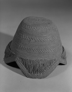 Kuba. Hat (Laket), 20th century. Raffia, height: 4 1/2 (11.4 cm);. Brooklyn Museum, Gift of Drs. John I. and Nicole Dintenfass, 88.188.1. Creative Commons-BY