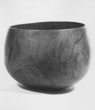 Hawaiian. Bowl ('Umeke). Wood, 9 7/16 x 13in. (24 x 33cm). Brooklyn Museum, Gift of George C. Brackett and Robert B. Woodward, 02.258.2627. Creative Commons-BY