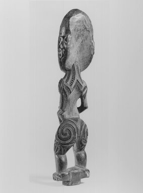 Maori (Rongowhakaata). Gable Figure (Tekoteko), ca. 1850-1860. Wood, paua shell, pigment, 12 3/8 x 2 1/2 x 2 in. (31.4 x 6.4 x 5.1 cm). Brooklyn Museum, Brooklyn Museum Collection, 03.216. Creative Commons-BY