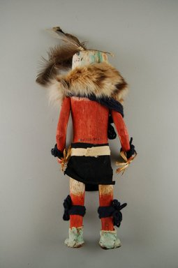 She-we-na (Zuni Pueblo) (Native American). Kachina Doll (Muhahaa), late 19th century. Feathers, fur, yarn, hide, reed, wood, cloth, (32.0 x 30.3 cm). Brooklyn Museum, Museum Expedition 1903, Museum Collection Fund, 03.325.4621. Creative Commons-BY