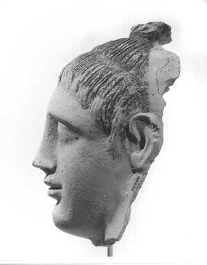 Graeco-Egyptian. Head of a Lady, late 1st century C.E. Plaster, painted, 6 1/8 x 3 13/16 x 7 1/2 in. (15.5 x 9.7 x 19 cm). Brooklyn Museum, Museum Collection Fund, 06.282. Creative Commons-BY