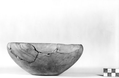 Bowl. Alabaster, 3 1/16 x Diam. 7 1/2 in. (7.8 x 19 cm). Brooklyn Museum, Charles Edwin Wilbour Fund, 07.447.19. Creative Commons-BY