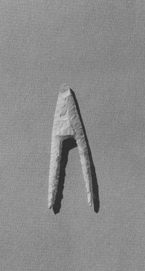Arrow Head. Flint, 1 1/8 x 3 1/4 in. (2.8 x 8.3 cm). Brooklyn Museum, Charles Edwin Wilbour Fund, 09.889.127. Creative Commons-BY