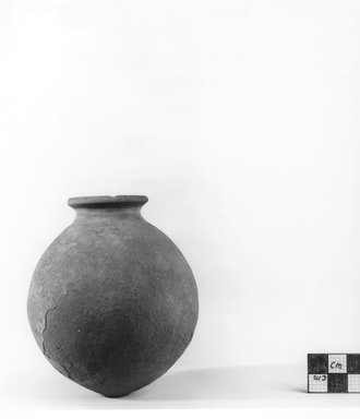 Globular Shaped Vase. Clay, slip, Height: 4 in. (10.2 cm). Brooklyn Museum, Charles Edwin Wilbour Fund, 09.889.592. Creative Commons-BY