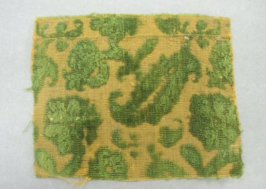 Textile Fragment, 16th century. Silk velvet, 3 1/4 x 4 3/16 in. (8.2 x 10.7 cm). Brooklyn Museum, Purchased by Special Subscription, 11.104. Creative Commons-BY