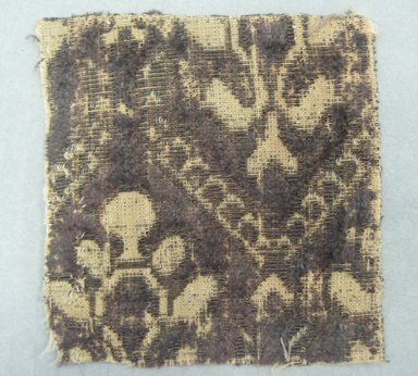 Textile Fragment, 17th century. Silk velvet, 3 1/4 x 3 1/2 in. (8.3 x 8.9 cm). Brooklyn Museum, Purchased by Special Subscription, 11.106