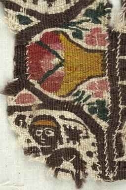 Coptic. Tapestry Weave, 5th century C.E. Flax, wool, 5 x 8 in. (12.7 x 20.3 cm). Brooklyn Museum, Gift of the Egypt Exploration Fund, 15.446. Creative Commons-BY