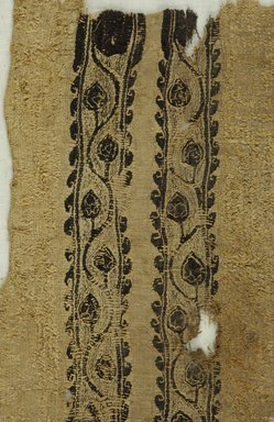 Coptic. Tapestry and Plain Cloth with Looping. Flax, wool, 6 1/2 x 13 in. (16.5 x 33 cm). Brooklyn Museum, Gift of the Egypt Exploration Fund, 15.453. Creative Commons-BY