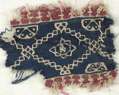 Coptic. Tapestry Weave, 6th century C.E. (possibly). Flax, wool, 2 9/16 x 3 9/16 in. (6.5 x 9 cm). Brooklyn Museum, Gift of the Egypt Exploration Fund, 15.472. Creative Commons-BY