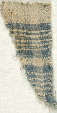 Coptic. Plain Cloth Weave, 5th-6th century C.E. Linen, 2 1/4 x 4 1/2 in. (5.7 x 11.4 cm). Brooklyn Museum, Gift of the Egypt Exploration Fund, 15.474e. Creative Commons-BY