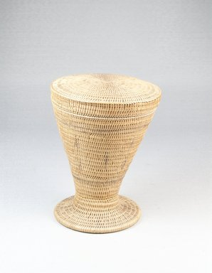 Tutsi. Basket and Lid, late 19th century. Vegetal fiber, height: 5 in. (12.7 cm); top diameter: 4 1/8 in. (10.5 cm). Brooklyn Museum, 1912a-b. Creative Commons-BY
