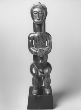 Fang. Reliquary Guardian Figure (Eyema-O-Byeri), 19th-20th century. Wood, 21 1/2 x 5 1/2 x 7 1/2 in. (? x 14.0 x 19.0 cm). Brooklyn Museum, The Adolph and Esther D. Gottlieb Collection, 1989.51.18. Creative Commons-BY