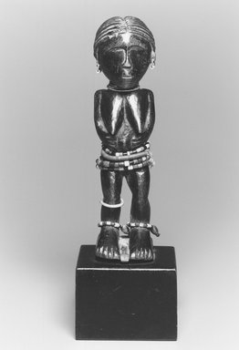 Brooklyn Museum: Standing Female Figure