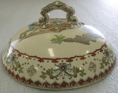 Round Covered Serving Dish