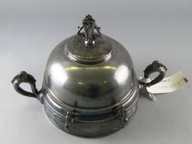 Pairpoint Manufacturing Company (1880-1929). Covered Butter Dish with Liner, ca. 1885. Silverplate, 6 1/8 x 9 1/4 x 6 1/8 in. Brooklyn Museum, Gift of Paul F. Walter, 1994.119.5a-c. Creative Commons-BY