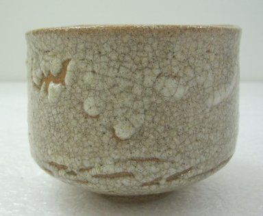 Tea Bowl, mid-19th century. Mino karatsu ware; stoneware, 3 3/8 x 4 1/4 in. (8.5 x 10.8 cm). Brooklyn Museum, Gift of Robert S. Anderson, 1994.188.1. Creative Commons-BY
