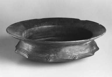 Akan. Food Service Vessel, early 20th century. Terracotta, height: 5 in. (12.7 cm);. Brooklyn Museum, Frank Sherman Benson Fund, 1995.82.3. Creative Commons-BY