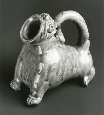 Vessel in the Form of an Animal, Yue Ware, 265-316 C.E. Glazed stoneware, 5 x 5 1/2 x 3 5/8 in. Brooklyn Museum, Gift of George and Katharine Fan, 1996.26.11. Creative Commons-BY
