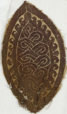 Coptic. Interlace Textile, 5th-7th century C.E. Wool, flax, 5 1/2 x 3 1/4 in. (14 x 8.3 cm). Brooklyn Museum, Anonymous gift, 1997.75. Creative Commons-BY