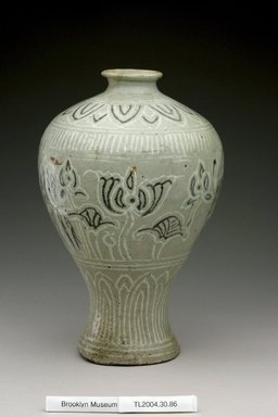 Vase, first half of 15th century. Buncheong ware, stoneware with inlaid black and white slips, Height: 9 15/16 in. (25.3 cm). Brooklyn Museum, The Peggy N. and Roger G. Gerry Collection, 2004.28.104. Creative Commons-BY