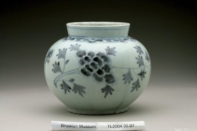 Jar, last half of 19th century. White porcelain with underglaze blue, Height: 5 3/16 in. (13.1 cm). Brooklyn Museum, The Peggy N. and Roger G. Gerry Collection, 2004.28.115. Creative Commons-BY