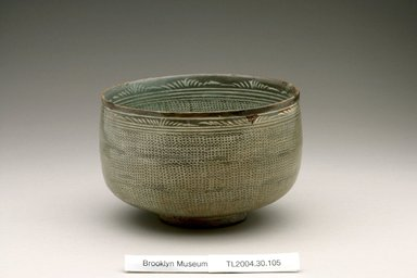 Bowl, first half of 15th century. Buncheong ware, stoneware with white slip, Height: 3 13/16 in. (9.7 cm). Brooklyn Museum, The Peggy N. and Roger G. Gerry Collection, 2004.28.123. Creative Commons-BY