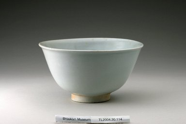 Bowl, 16th century. Porcelain, glaze, Height: 4 1/8 in. (10.4 cm). Brooklyn Museum, The Peggy N. and Roger G. Gerry Collection, 2004.28.132. Creative Commons-BY