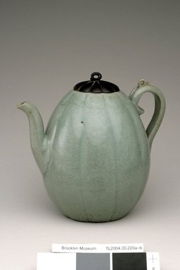 Ewer with Cover, 12th century. Stoneware with celadon glaze, wood, Height: 7 5/16 in. (18.6 cm). Brooklyn Museum, The Peggy N. and Roger G. Gerry Collection, 2004.28.242a-b. Creative Commons-BY