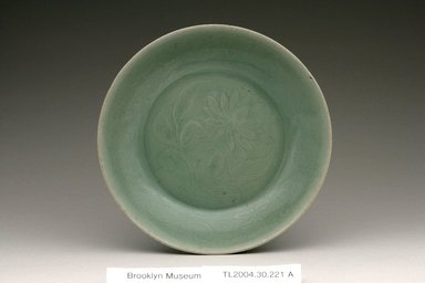 Bowl, last half of the 12th century. Stoneware with celadon glaze
